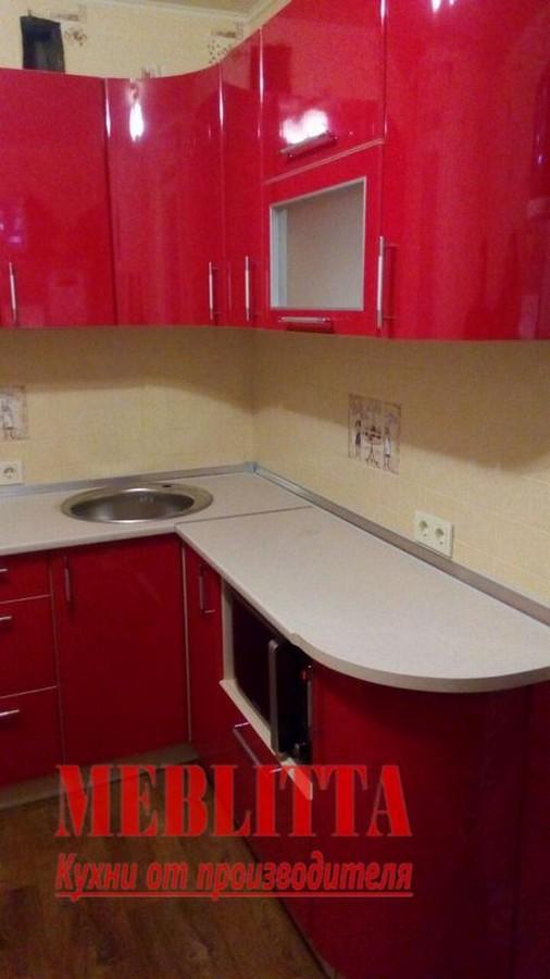 кухня с радиусным фасадом